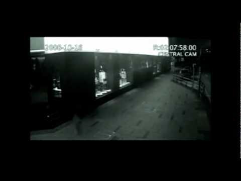 Penampakan Kuntilanak Terekam Kamera CCTV!!!!