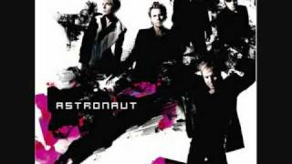 Watch Duran Duran Astronaut video