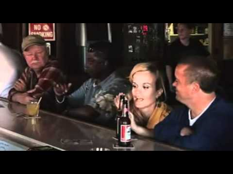 JACKASS 3 ENANOS PELEANDO EN EL BAR AUDIO LATINO.mp4