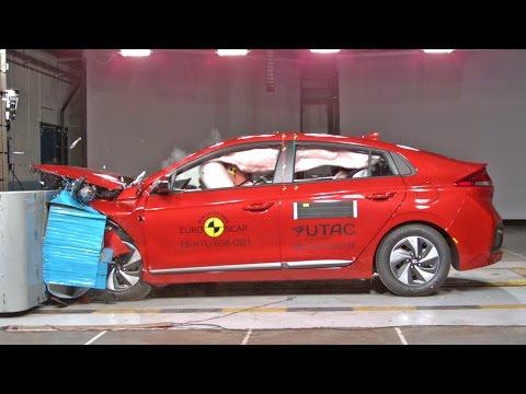 Crash Tests 2017 Hyundai Ioniq Hybrid Vs Toyota Prius