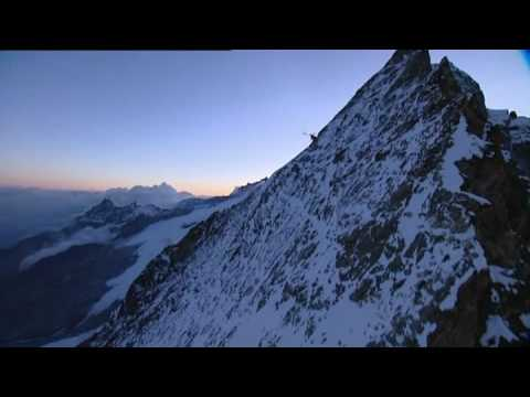 Longline rescue of alpinists - by Air Zermatt
