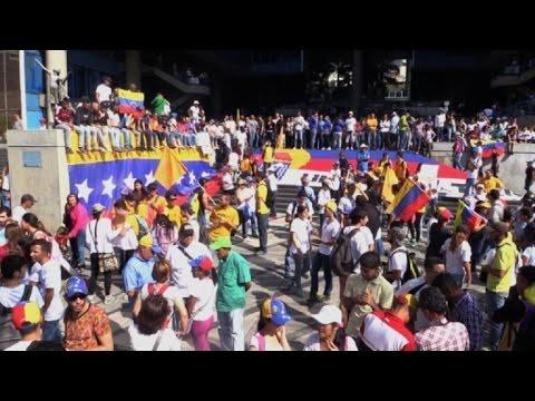 oposicion venezolana marcha al palacio de gobierno y llama a huelga general