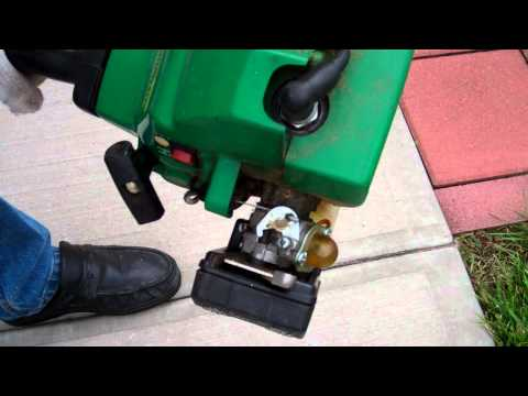 Minor adjustments on the Weedeater featherlite trimmer Fl 20 / FL 21.wmv