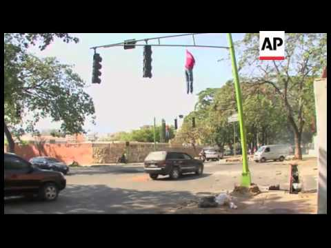 Venezuela - Clashes erupt during student protest, security forces fire tear gas and water cannon / A