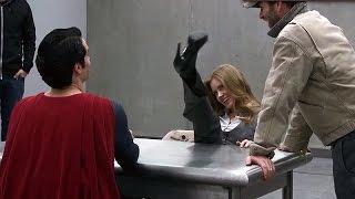 It's not an «S» 'Man of Steel' Featurette [+Subtitles]