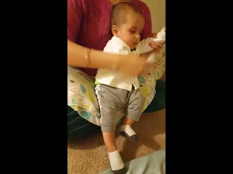 Punjabi Lori | Kuku Rana Ronda | Baby dancing