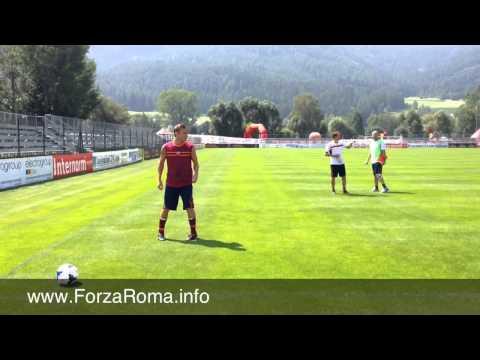Francesco Totti parla con Rudi Garcia - 17/07/2013