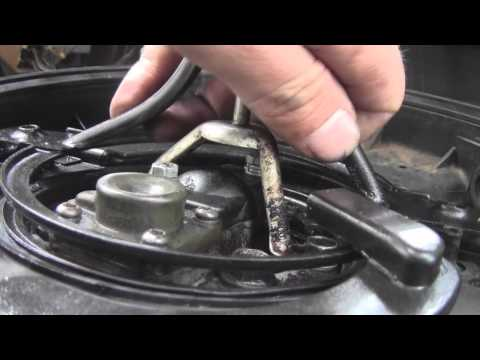 How to Replace a Fuel Injector on a 1997 Geo Metro