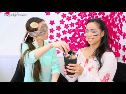 Blind Folded Makeup Challenge- ItsJudyTime &amp; SasakiAsahi