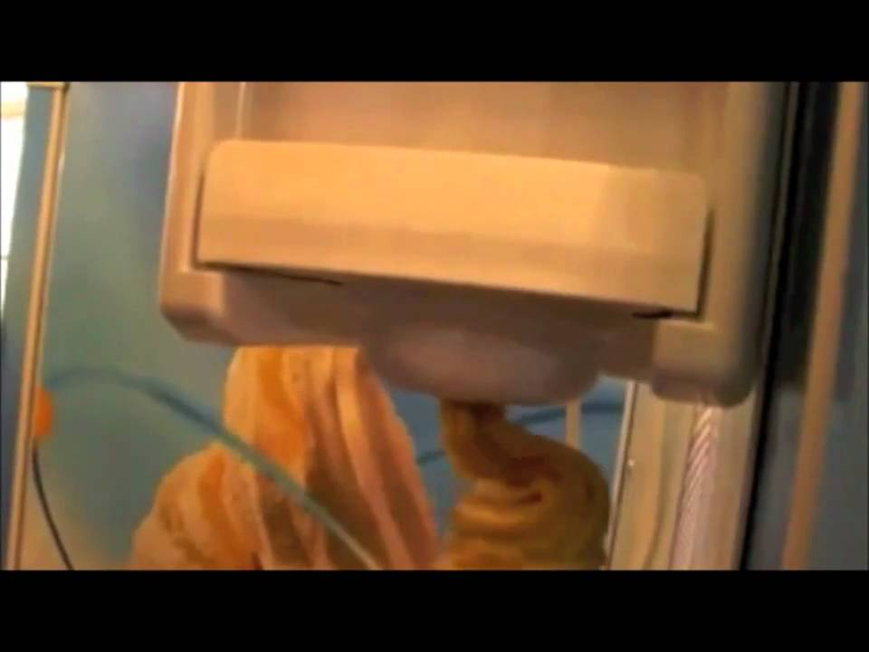 glace italienne le sp cialiste des machines glace italienne youtube. Black Bedroom Furniture Sets. Home Design Ideas