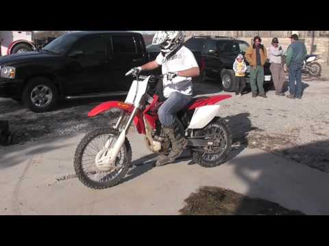 Honda CRF 450R Burnout Wheelie