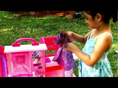 Barbie Dollhouse Toys   Pink Bed and Bath Set Toy Review