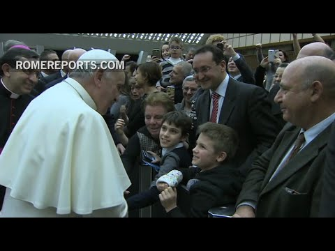 Pope to Vatican workers: Be wise and know when to hold your tongue