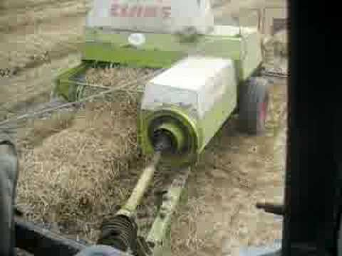 Claas Markant 65 Small Square Baler Wheaten Straw