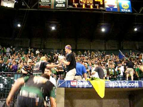 Portland's Timbers Army Celebrate Winning 2009 Cascadia Cup (6/8/09) Video
