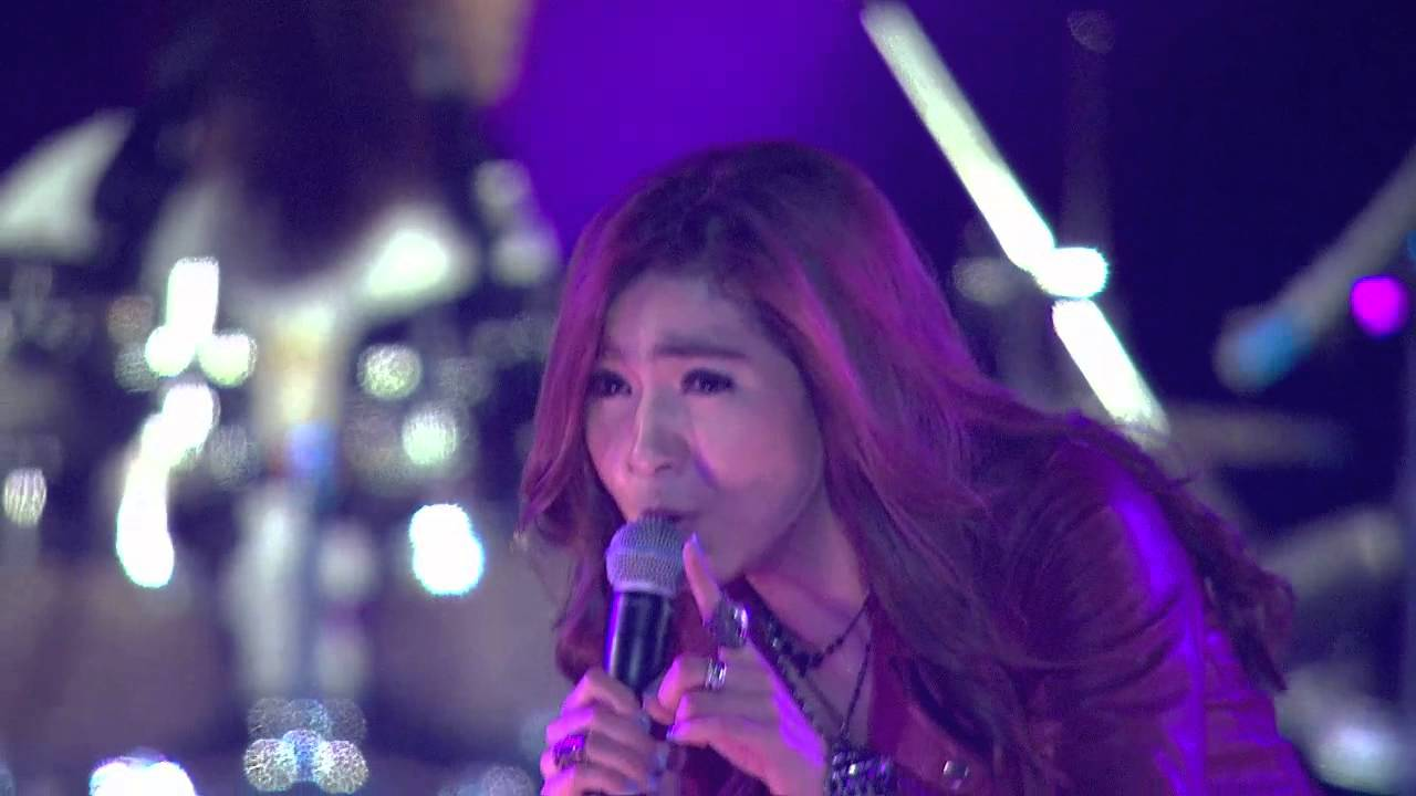 Chit Thu Wai live in myanmar
