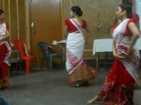 Group Assamese Modern dance 2 by DHRITEE SHRUTI GOSWAMI ( full...