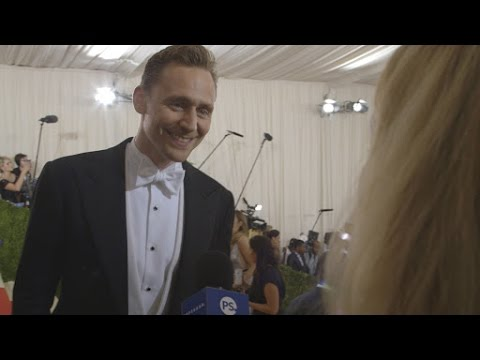 Tom Hiddleston Talks Emailing With Anna Wintour at the Met Gala | Met Gala 2016