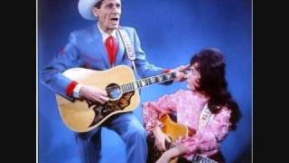 Watch Ernest Tubb Somewhere Between video