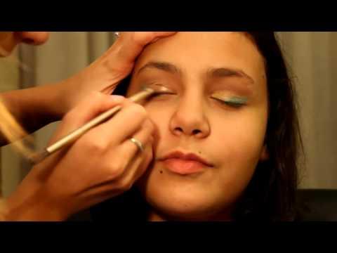 Makeup tutorial:trucco occhi verde e oro per giovanissime
