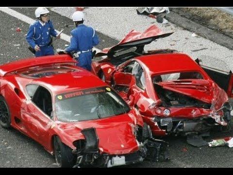 フェラーリ8台 多重衝突事故