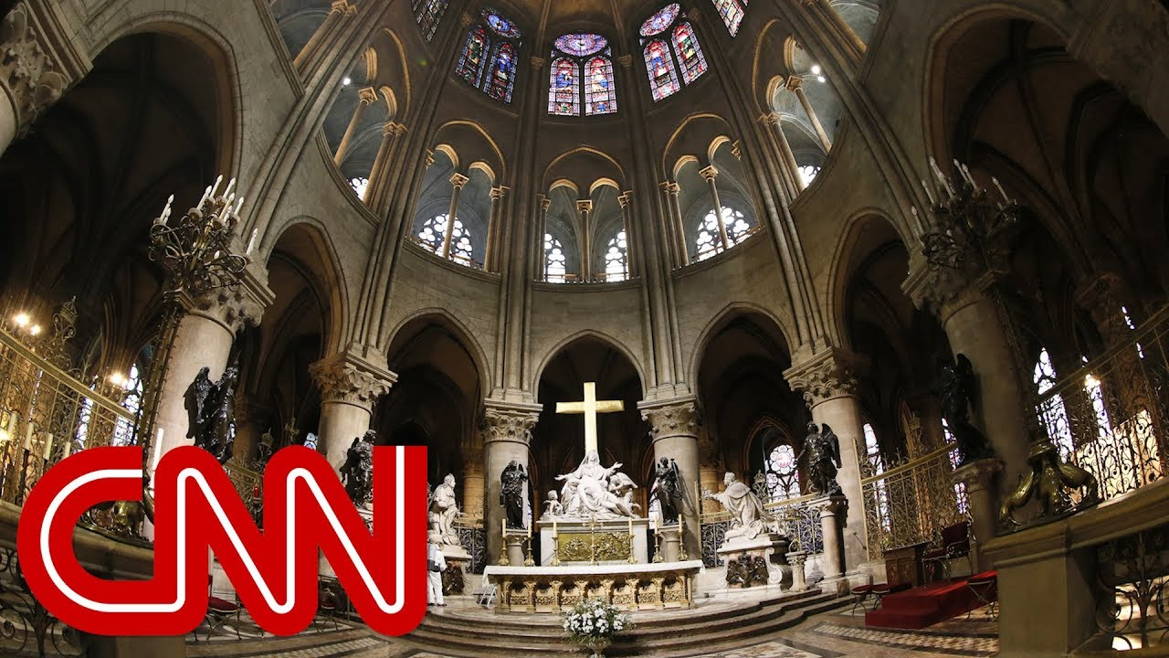 See a 360° look inside Notre Dame cathedral (2015)