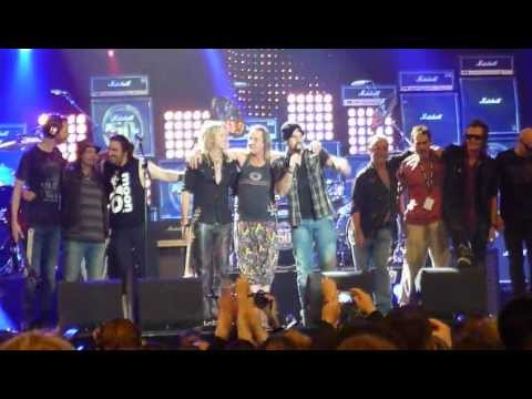 Smoke On The Water - Yngwie, Paul Gilbert, Doug Aldrich, Phil Campbell&more (50 Yrs of Loud)