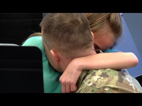 Military dad surprises daughter at school