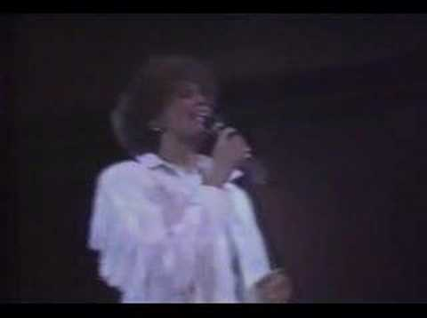 Whitney Houston - How Will I Know (Brit Awards, 1987)