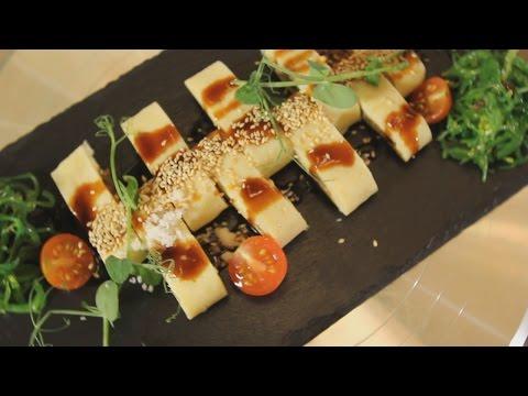 Копченый угорь в японском омлете с соусом «Унаги». Рецепт от шеф-повара.