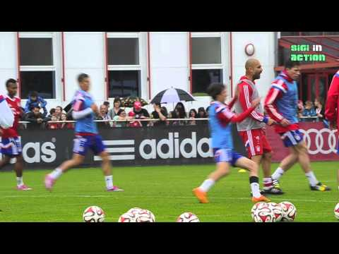 Teil 1: FC Bayern Training noch ohne Xabi Alonso am 31.08.2014 - Pep in Tiki-Taka Action