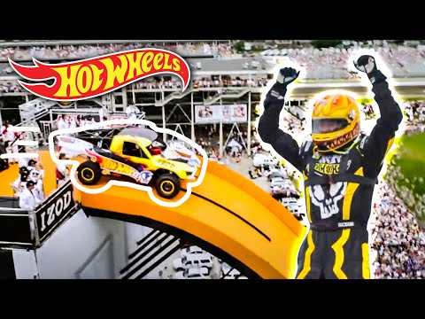 Team Hot Wheels -  The Yellow Driver s World Record Jump (Tanner Foust)