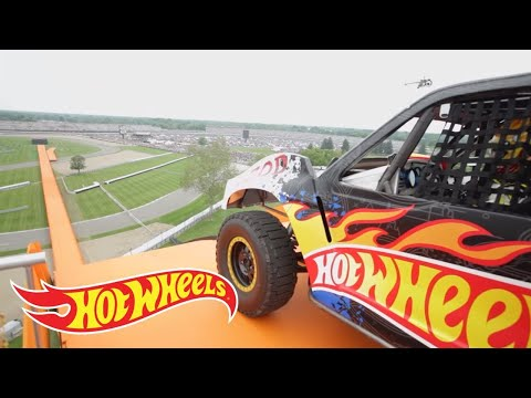 The Yellow Driver of Team Hot Wheels breaks the world record for distance jump in a four-wheeled vehicle at the Indianapolis 500 on May 29th 2011. Watch as t...