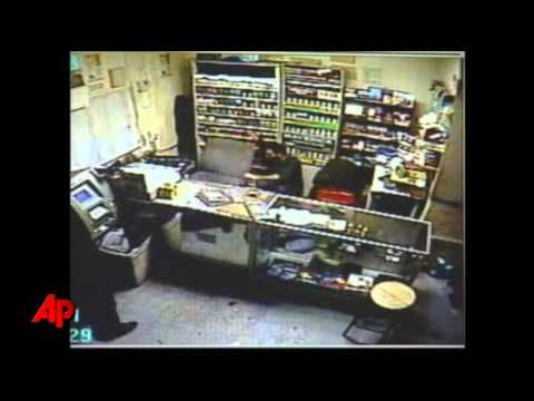 Texas Clerk Gets in Gunfight With Robbers