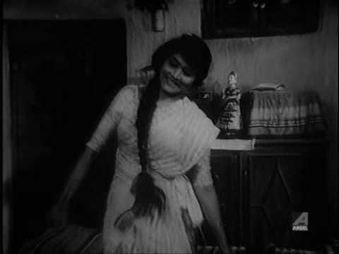 Ruma Guha Thakurta is listed (or ranked) 30 on the list Hot Bengali Bhalo Baashi Beauties