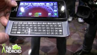 Hands On with the Droid 4 at CES