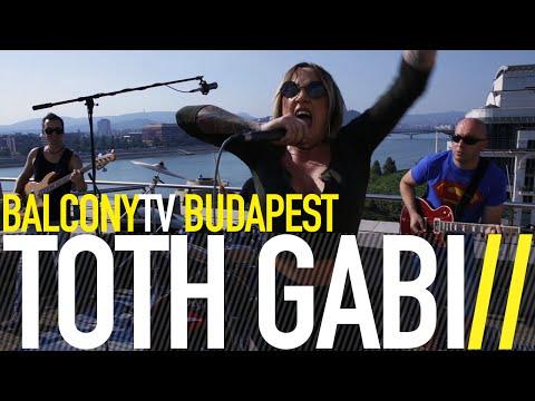 TÓTH GABI - SZABAD AKARAT (BalconyTV)
