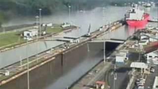 Watch Gerry Rafferty Shipyard Town video