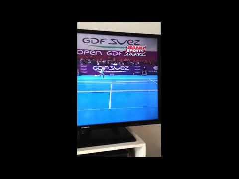 Sharapova's awesome backhand winner