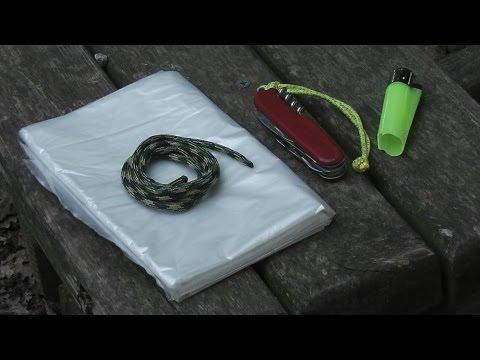 Refugio de emergencia con kit minimalista