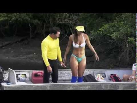 Carol Nakamura De Biquini em Guaraqueçaba   Parte 1 HD