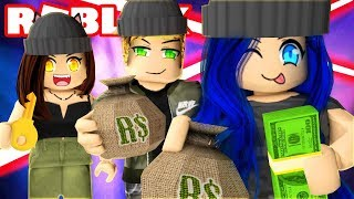 WE ROB AN EXPENSIVE MANSION IN ROBLOX!