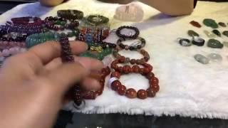 Vòng đeo tay và đeo cổ màu sắc hợp Mệnh Hoả - VatPhamPhongThuy.com