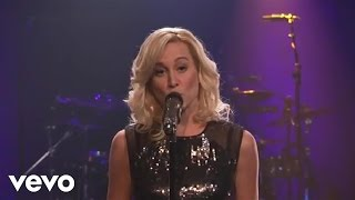 Watch Kellie Pickler Unlock That Honky Tonk video