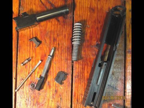 Glock Cleaning 2  (Slide Disassembly)
