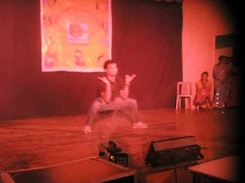 Dance performance by Prem Aseem on pappu cant dance sala
