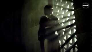 Watch Ellie White Love Again video