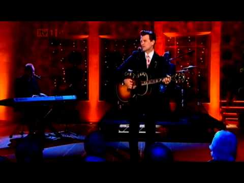 Chris Isaak singing Its now or never on the Alan Titchmarsh show 30th jan 2012