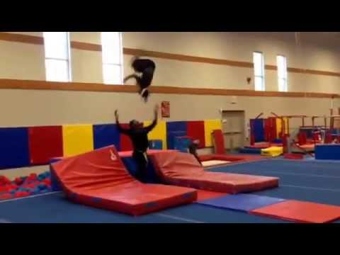 Ismael Bangoura 2014 ( Izzy Bang's) training a new tricks 2014