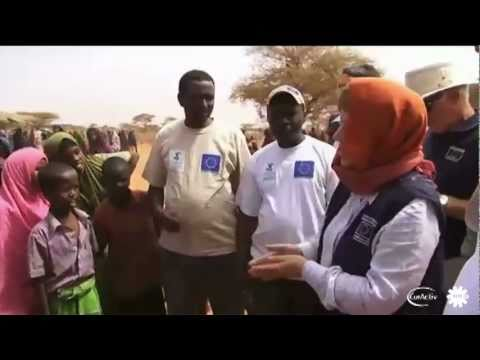 Somalia famine: Islamists keep aid workers out